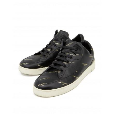 Base Sneaker