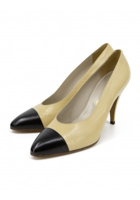 CHANEL Vintage Two Tone Pumps