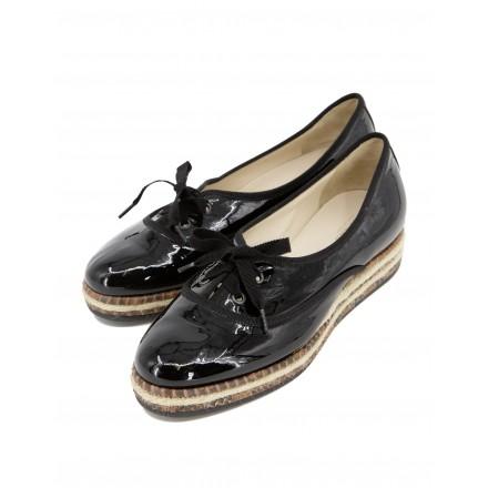BOTTEGA VENETA schwarze Lack Ballerinas Schnürschuhe
