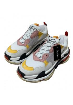 BALENCIAGA Triple S Sneakers Gr. 37. Sehr guter Zustand.