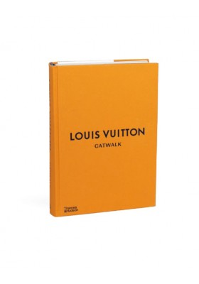 LOUIS VUITTON - Catwalk The complete Fashion Collection