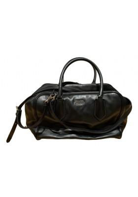 PRADA Handtasche schwarz. Sehr guter Zustand.