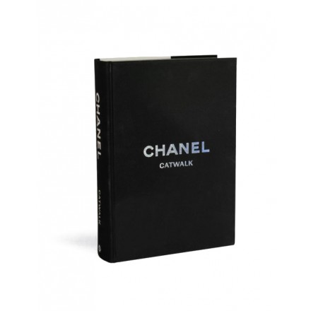 CHANEL Catwalk - The complete Collection