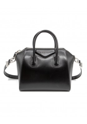 GIVENCHY Antigona small Handtasche Kalbsleder schwarz. Sehr guter Zustand.