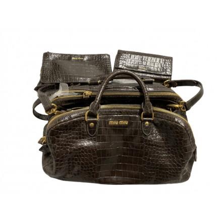 MIU MIU Handtasche und Portemonnaie Lackleder braun. Sehr guter Zustand.
