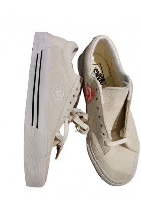 VANS Sneakers Weiss. Gr. 38.5. Neu mit Etikett.