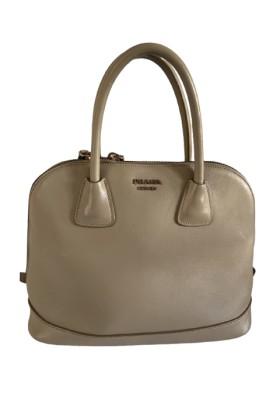 PRADA Handtasche Leder beige. Guter Zustand