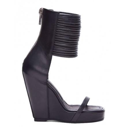 SLAVE Shoe