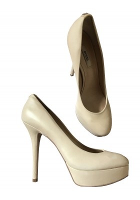 Guess Pumps Gr 38.5